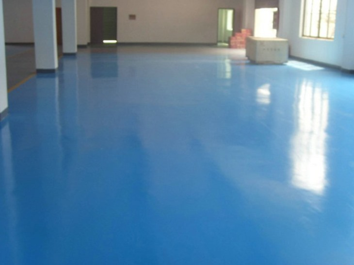 Self-leveling high-gloss floor paint